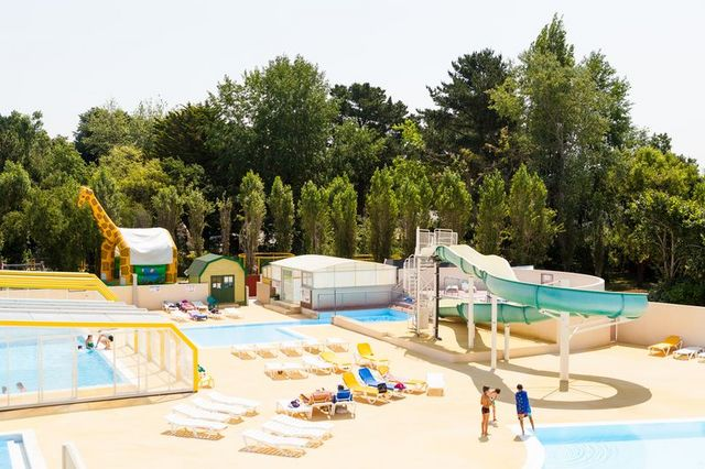 ... Heated Indoor And Outdoor Swimming Pools ...