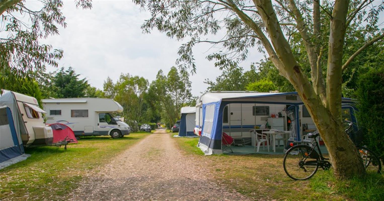 brittany campsite camping la plage benodet. Black Bedroom Furniture Sets. Home Design Ideas