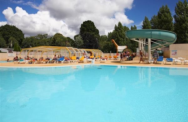 Swimming-pool in Campsite de la Plage in Benodet